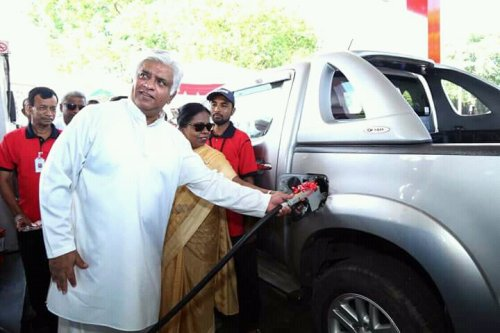 Sri Lanka introduces Euro 4 standard petrol and super diesel to the market