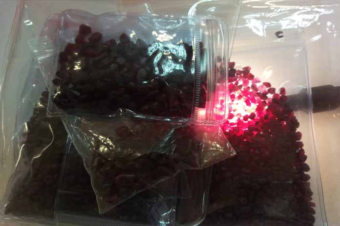 Three held for attempt to smuggle gemstones into Sri Lanka