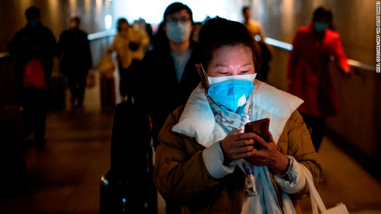 China cautiously returns to work as Coronavirus death toll reaches 910