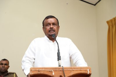 Land Minister warns against selling fertilizer above price cap