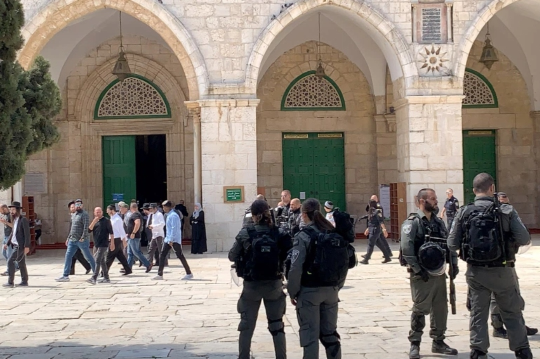 Israel forces attack Al-Aqsa protesters during Prophet rally