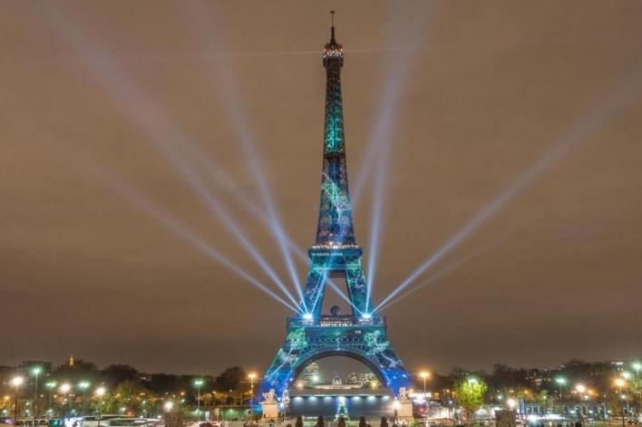 برج إيفل يتيما في ذكراه   اندبندنت عربية
