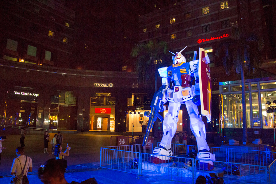 Orchard Road Singapore, Orchard Road, What to do in Singapore, Singapore guide, what to do in Singapore at night, what to see in Singapore, Singapore travel,