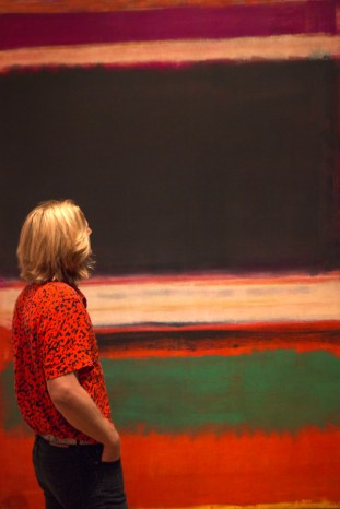 Radito is admiring one of his favourite artists Mark Rothko. Photo by Barbara Cajkovic