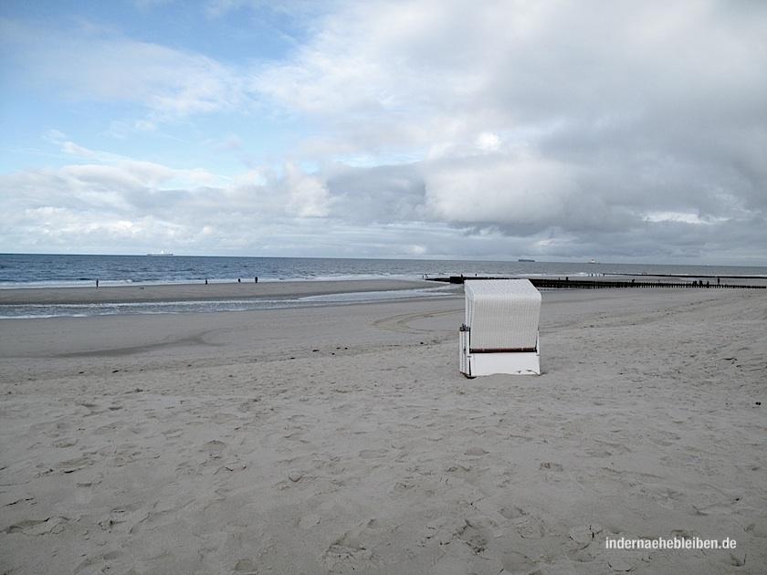 Einfach nur so da sitzen mit Blick aufs Meer