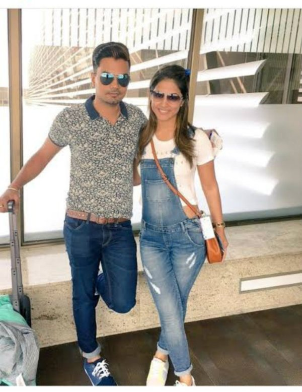 #Stylebuzz: Dungaree LOVE; Hina Khan sure knows how to ...