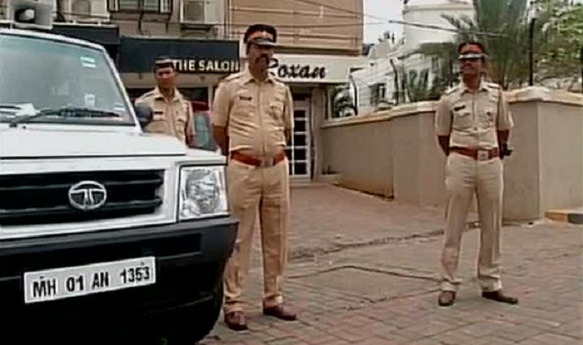 After Salman Khan Tweeted On Yakub Memon Security Ened Outside Galaxy Apartment