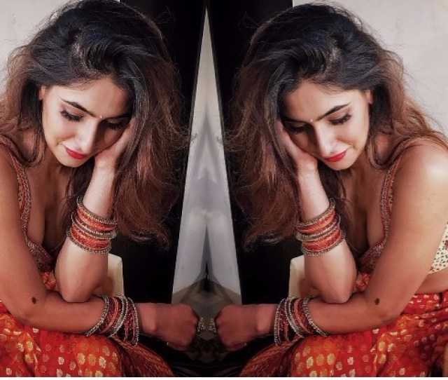 5 Times Ragini Mms Returns Actress Karishma Sharma Stole Our Hearts With Her Traditional Indian Look