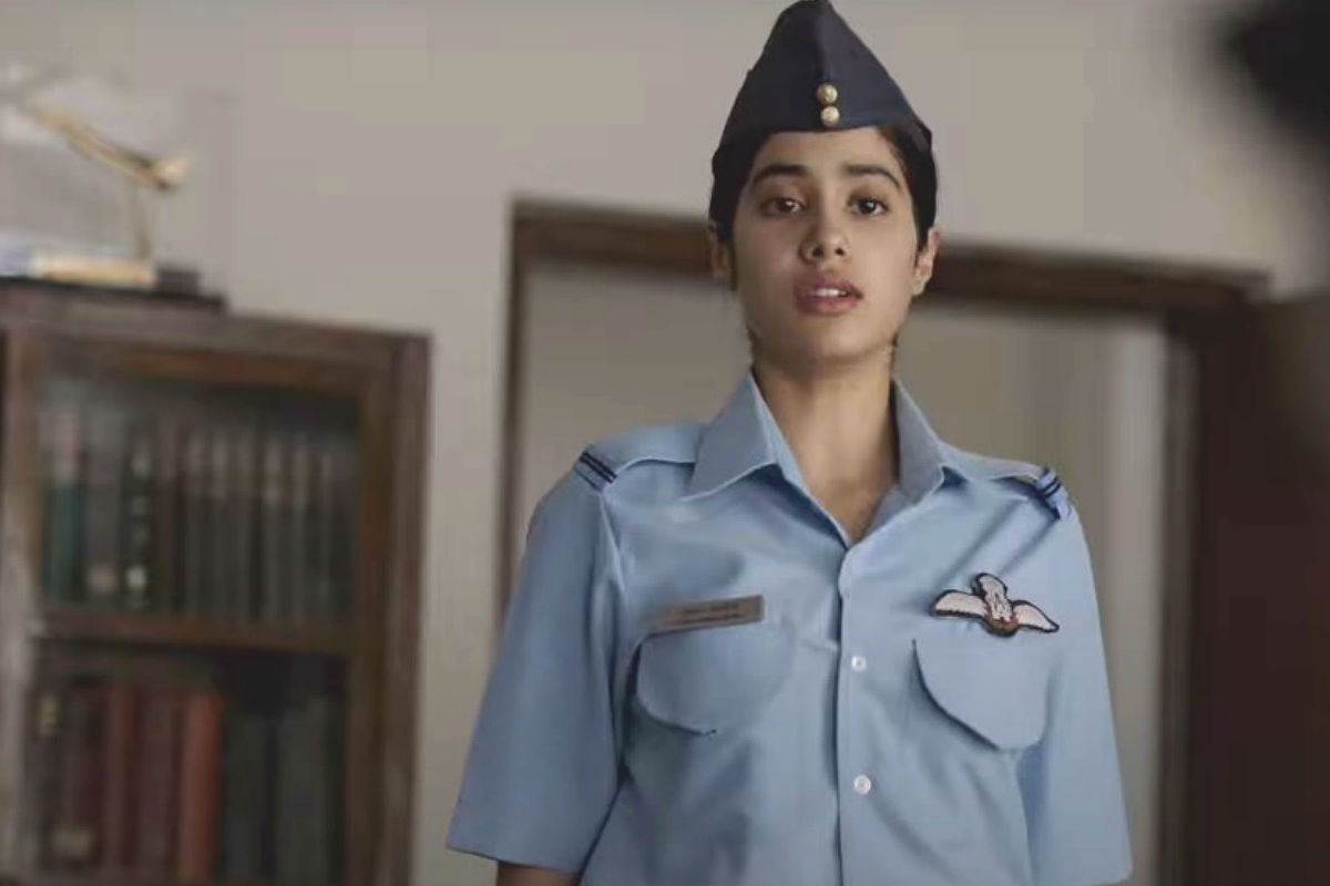 Janhvi Kapoor Looks Promising But Pankaj Tripathi Steals The Show in Trailer of Netflix Film Gunjan Saxena: The Kargil Girl
