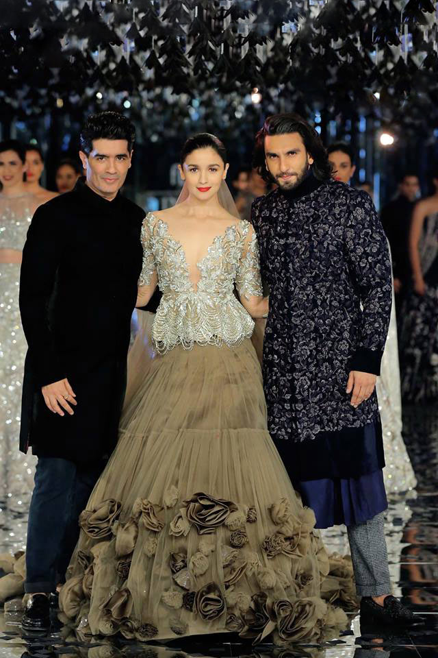 List Of The Most Popular And Famous Fashion Designers In India Exbulletin