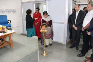 Savita lights the inauguration lamp at Developers tutorial in Panjab Unversity
