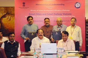 m-venkaiah-naidu-suresh-prabhu_indianbureaucracy