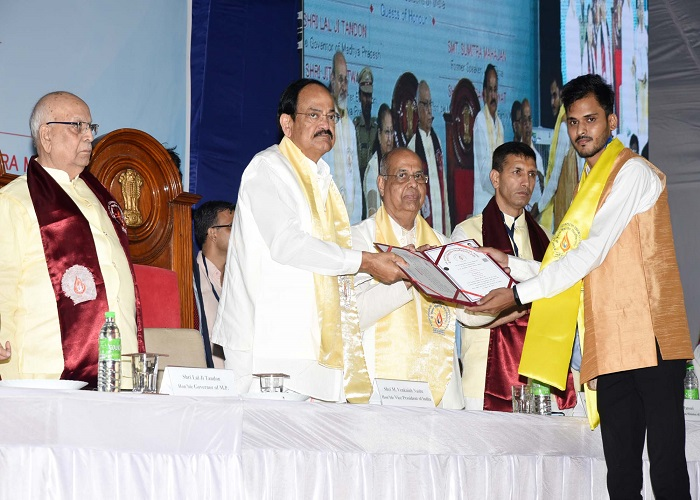 Vice-President Naidu at convocation ceremony of Shri Vaishnav Vidyapeeth Vishwavidyalaya