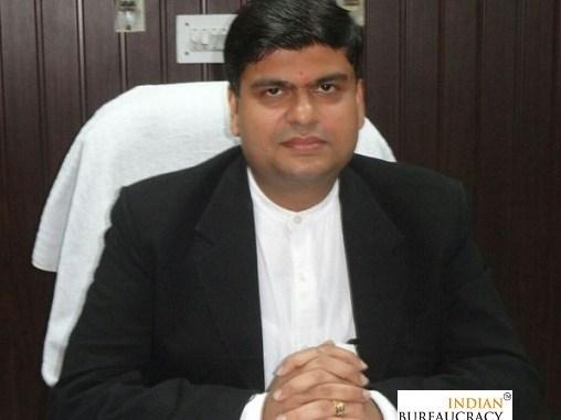 Anil Dhingra IAS UP