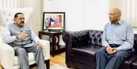 R.K.Mathur meets Dr Jitendra Singh
