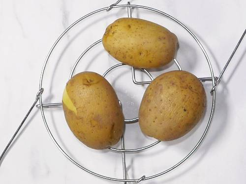 cooling boiled potatoes for paratha