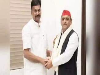 UP News: BJP MLA from Sitapur Rakesh Rathore met Akhilesh Yadav, claims SP - in many contacts
