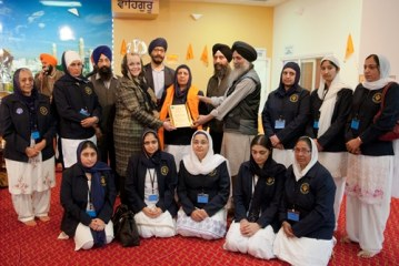 Commitment to education endears Sikhs