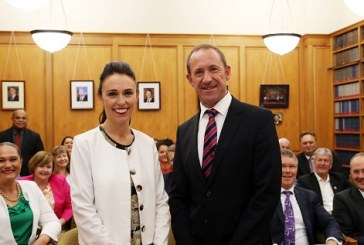 Andrew's sacrifice takes Jacinda to the Crown