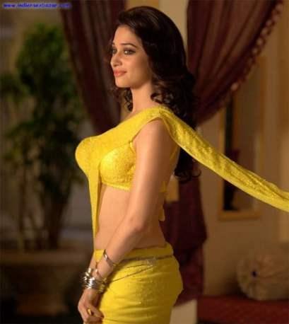 Tamannaah-Bhatia_hot_in_yellow_saree