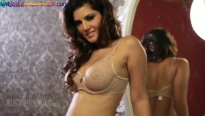 Hot Indian mommy Sunny Leone gets totally undressed I suck and fuck her Big tits Boobs Full HD Porn00010