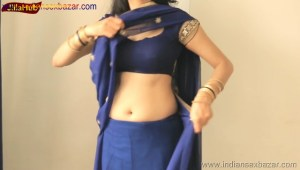 Indian Desi Housewife hot stripping Blue Saree Full Nude Full HD Porn Sexy Navel Gand Choot boobs00012