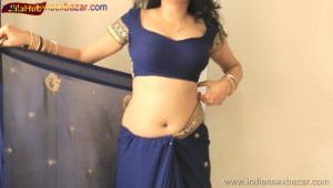 Indian Desi Housewife hot stripping Blue Saree Full Nude Full HD Porn Sexy Navel Gand Choot boobs00017