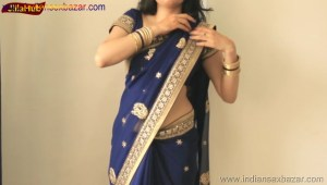Indian Desi Housewife hot stripping Blue Saree Full Nude Full HD Porn Sexy Navel Gand Choot boobs00024
