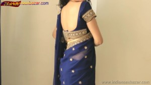 Indian Desi Housewife hot stripping Blue Saree Full Nude Full HD Porn Sexy Navel Gand Choot boobs00027