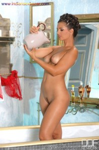 Beautiful MILF Eve Angel soaps up and rinses off while taking a bath MILF XXX Nude porn photo Big boobs milf nude (3)