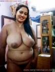 मोटे मोटे बूब्स वाली भाभी अपने मस्त इस्तानो को बोबो को दिखाते हुए नंगी Big Boobs Nude Photo Girls Nude Boobs (1)