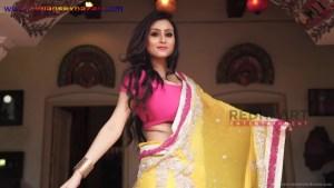 इंडियन रंडी साड़ी ब्लाउज में मोटे मोटे बोबे दीखते हुए Indian Randi In Yellow Saree Xxx (5)