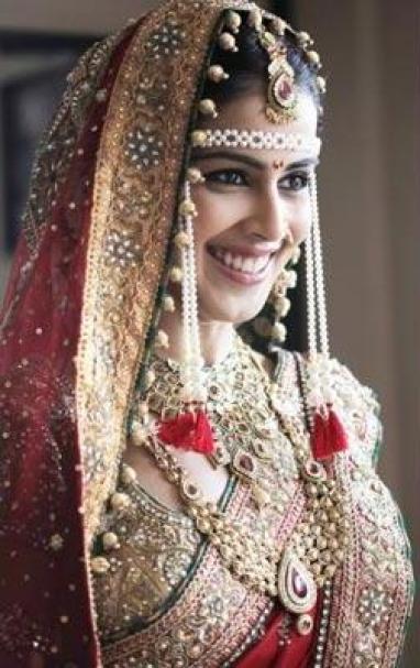 Beautiful Marathi Bride - IndianWeddingCards