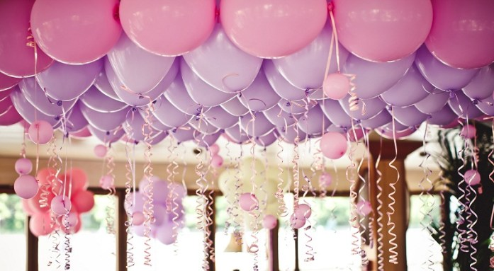 balloons-under-ceiling-wedding