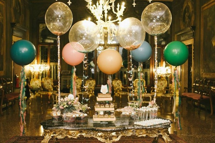glitzy balloon decor