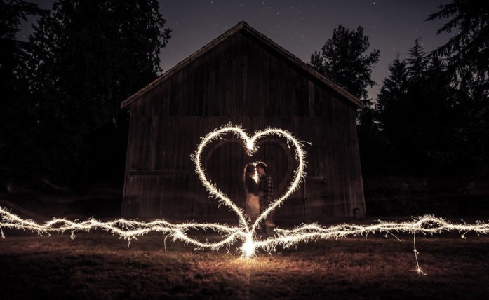 wedding portraits magical with sparklers 5