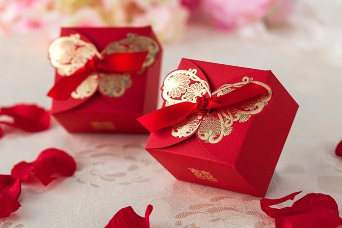 Romantic-Wedding-Gift-Box-Elegant-Gold-Butterfly-Red-Paper-Bride-Party-Sweet-Favors-Wedding-Candy-Box
