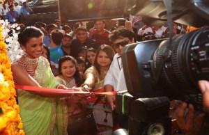 Pics: Mugdha Godse inaugurates Western Basics store in Jaipur