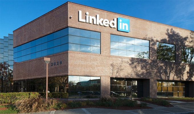 Microsoft to buy Linkedin for .2 billion