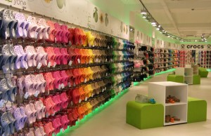 Crocs appoints new CEO, to shut down 160 stores globally