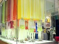 Uniqlo introduces apparel vending machines