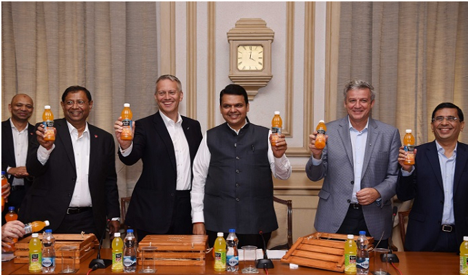 Coca-Cola introduces Minute Maid Santra