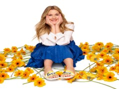 Crocs debuts the color-block collection, Drew Barrymore ♥ Crocs