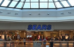 Sears lays off 220 employees at corporate office