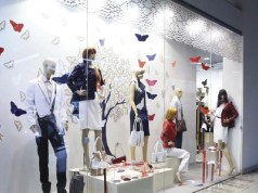 Shop Windows That Stop: The art of visual merchandising