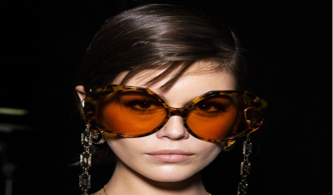 Luxottica Group and Versace renew license agreement