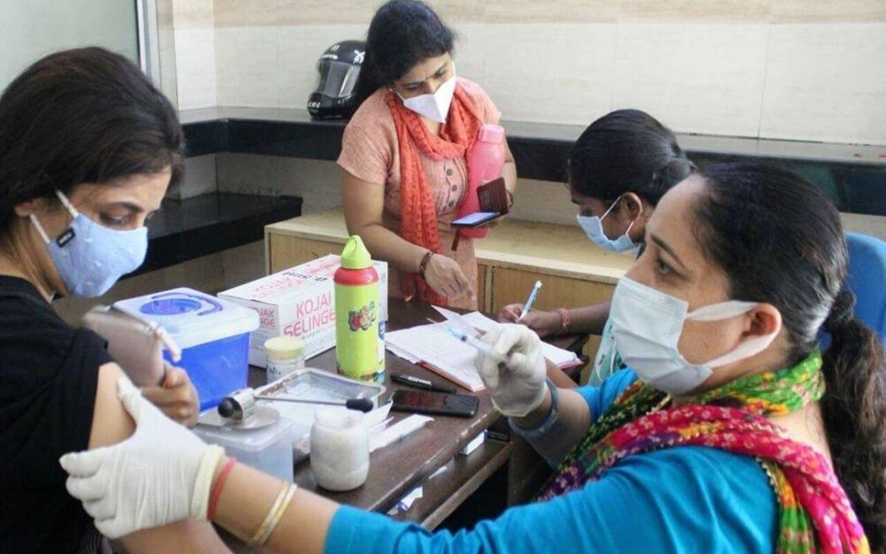 India Expected To Have 6 Lakh Cases Daily If The Vaccination Rate Remains Low
