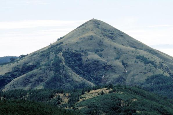 Todas pilgrimage annually to the top of the deity hill, Kawnttaihh, to pray for ecosystem and general well-being. This hill is also related to the Southwest Monsoon.