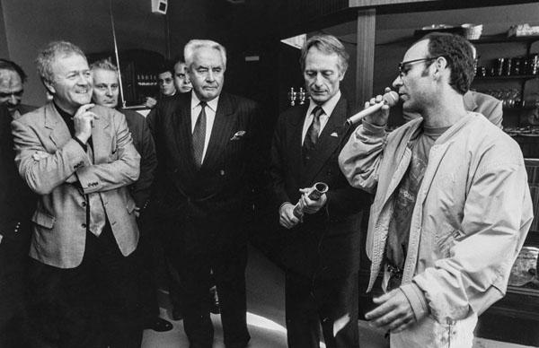 L'équipe de la mairie et François Delaunay lors de l'inauguration du Chabada en septembre 1994 © Le Chabada