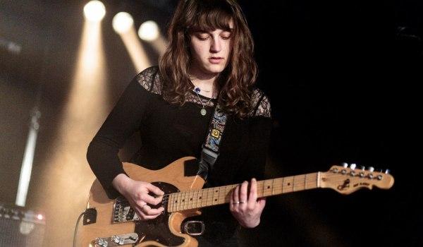 [Live] Our Girl aux Bains